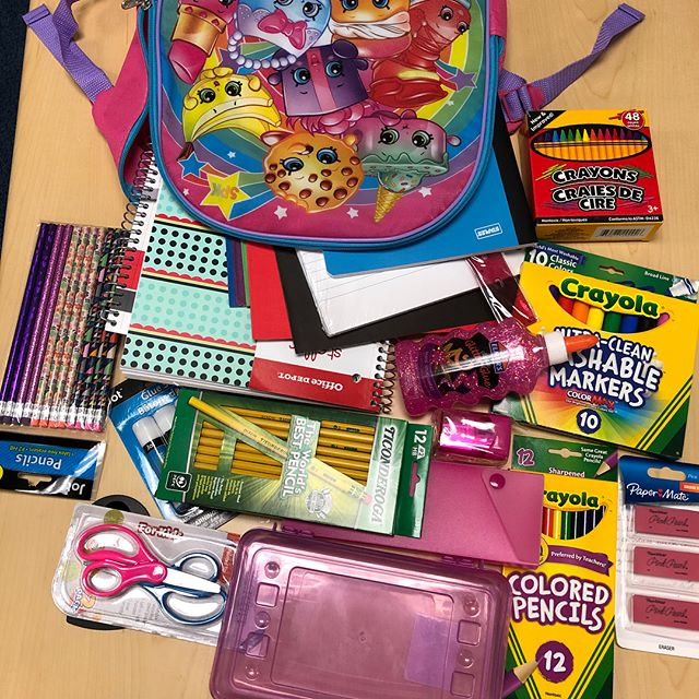 "Check out the elementary school & middle school starter packs! This is where your money is going! We are trying to secure 700 of these. It is true - $10 is not enough to acquire one stuffed bag, but your $10 will be added to other people's $10 and that's where the magic happens! (See what happens when Change Makers Unite 🤗) • •  The event to show appreciation for contributions is tomorrow; however, we are collecting donations until 8.31.18. Supplies are going to schools all across the DMV! If you donate, please register for a ticket (even if you can't be in attendance) at ""backpacktopark.com"" #LinkInBio"