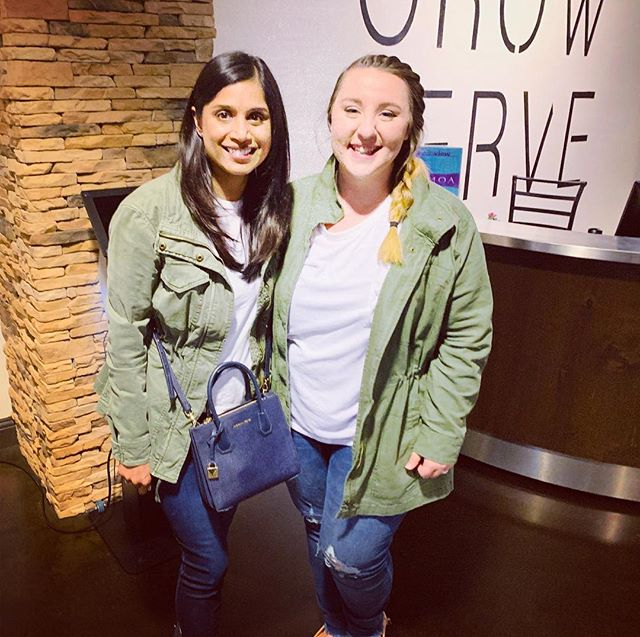 Twinning.....with my friend Liv! 😄Not planned.  @olivia_claire_hawkins . . . . #twinning #friendsfamily #greenjackets #hopeinsideout