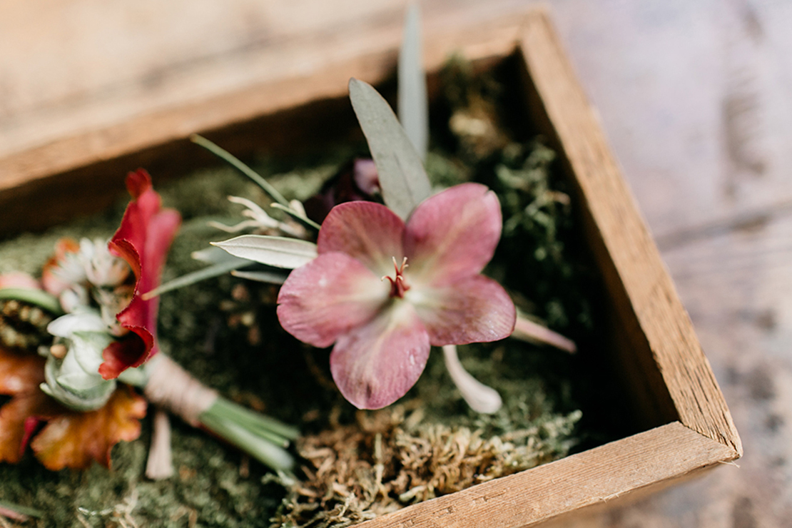 sweet_and_crafty_industrial_romance_styled_shoot_017.jpg