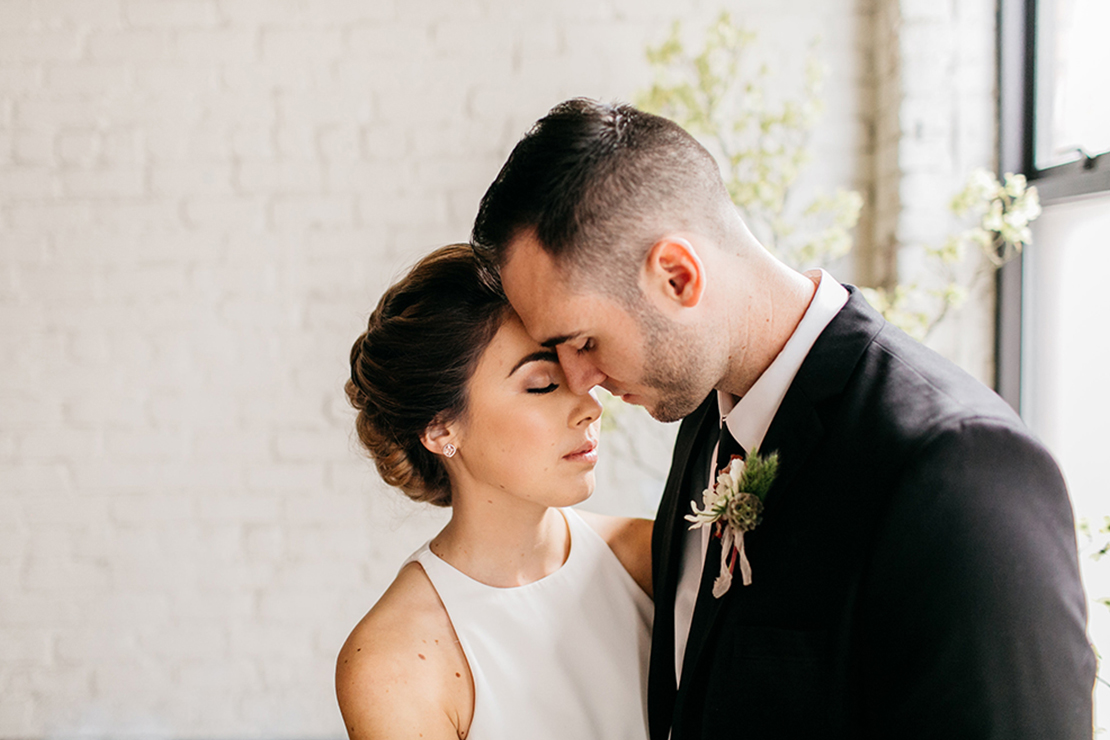 sweet_and_crafty_industrial_romance_styled_shoot_095.jpg