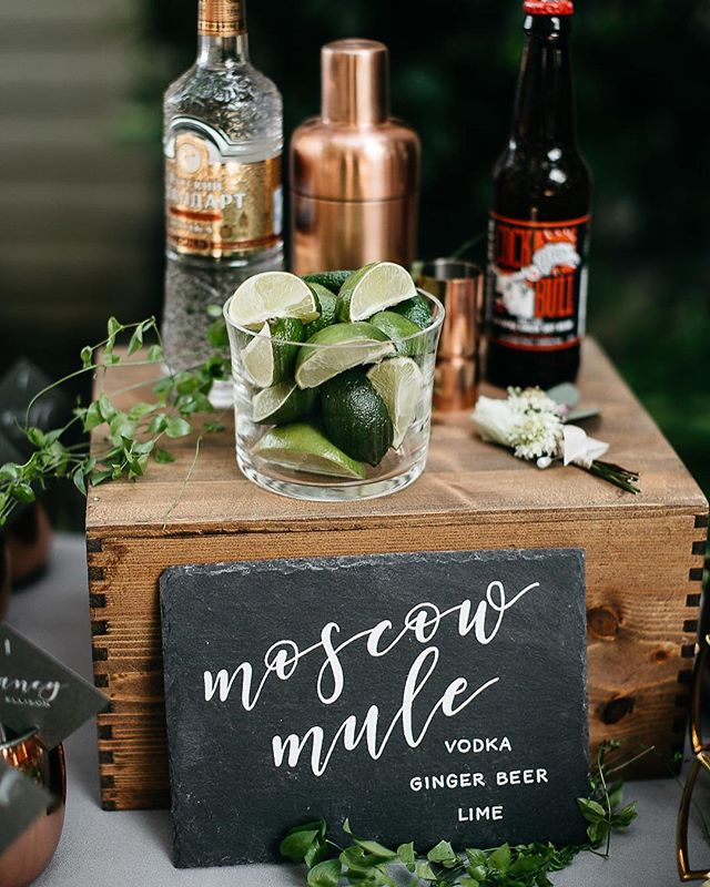 So fun to see signage I have the pleasure of creating set up on wedding days. Always looks a million times better than I imagined it would. Thanks for the sneak peek! Planner: @brannan_events  Photo: @kirstennoellew  Floral: @bewilderisms  Signage: @sweetandcrafty  Venue: @vinehillhouse