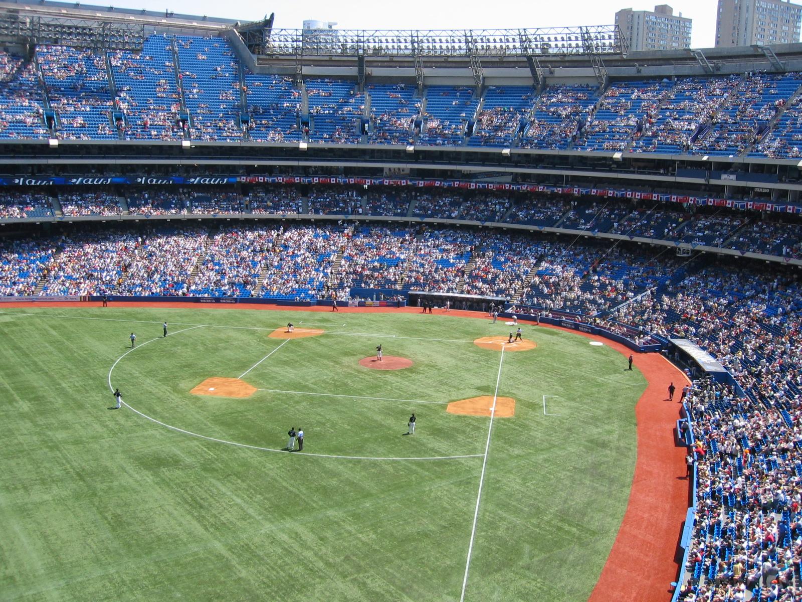 Toronto,_Skydome,_N.Y._Yankees_vs._BlueJays.jpg