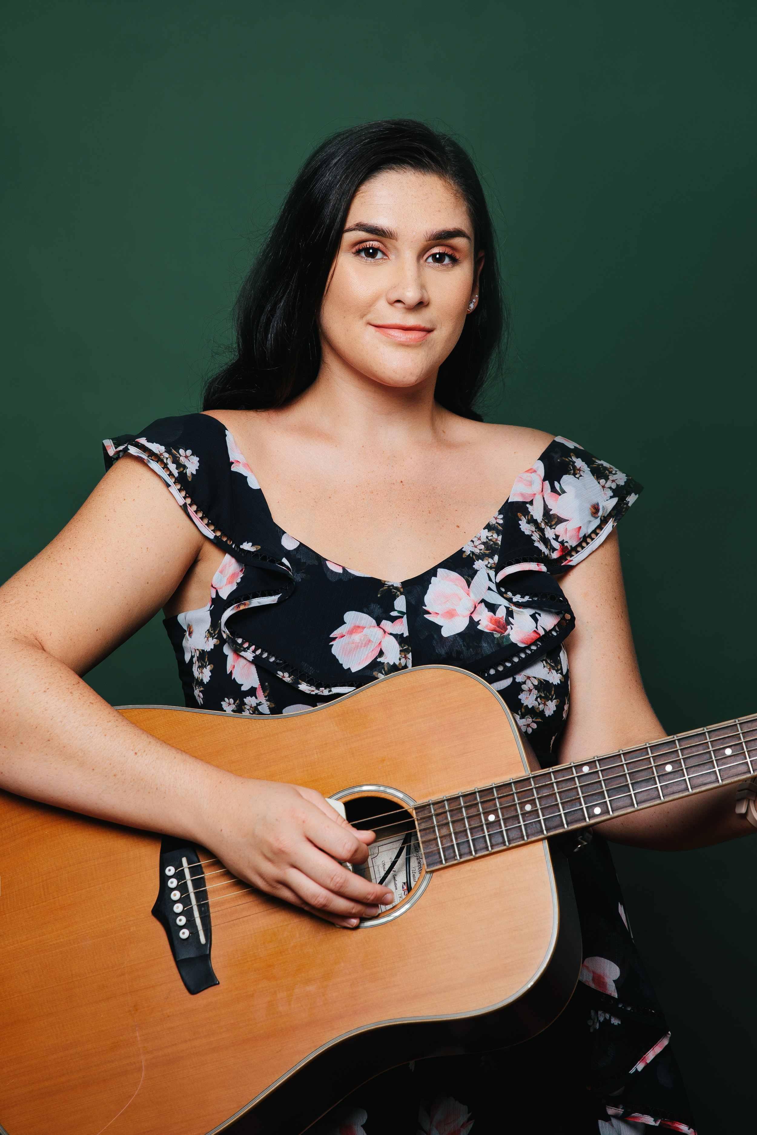 Caitlin - Singer + Guitarist or KeysCaitlin is the Alianah Entertainment Queen of RnB. Echoing artists like Beyonce and Ariana Grande, Caitlin can play something to quieten the mood or get the whole party on their feet.A star musician with a whole lotta soul.