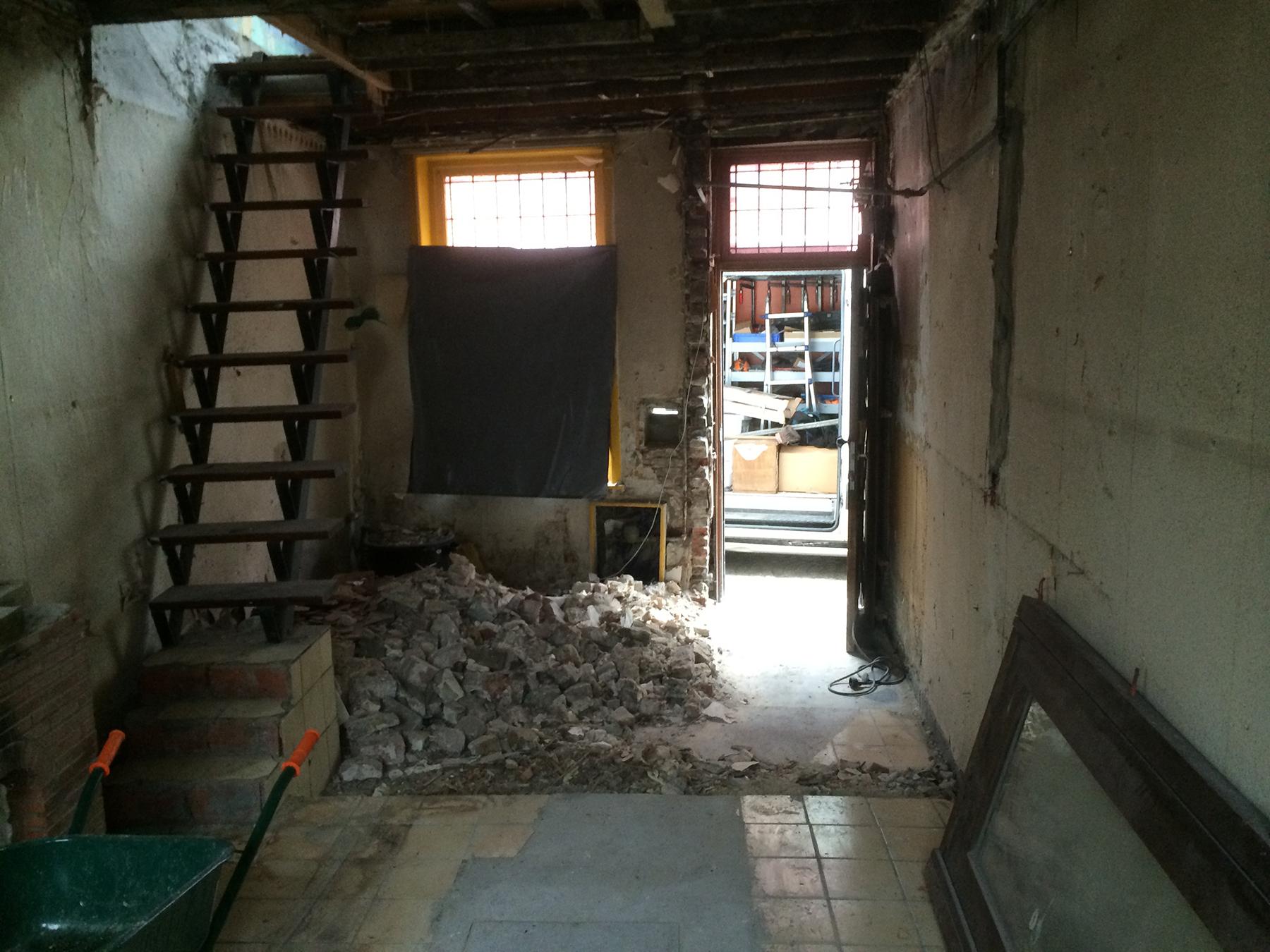 Totaalrenovatie Brugge - interieur - afbraakwerken voor.jpg