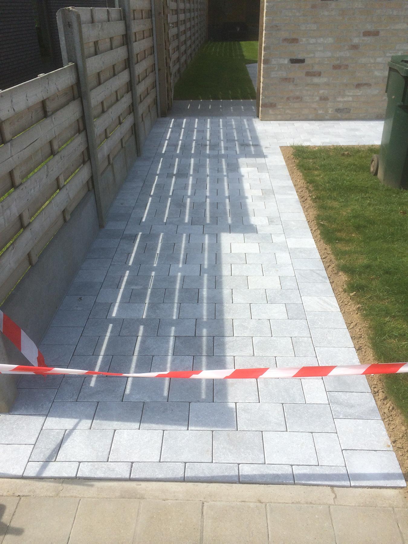 Klinkerwerken - aanleg tuinpad.jpg