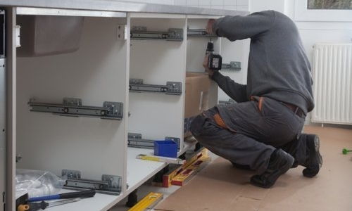 HOUSE BUILDERS, KFM AND TRADE CUSTOMERS - We provide a complete on-site appliance supply and installation service to Britain's house building industry.