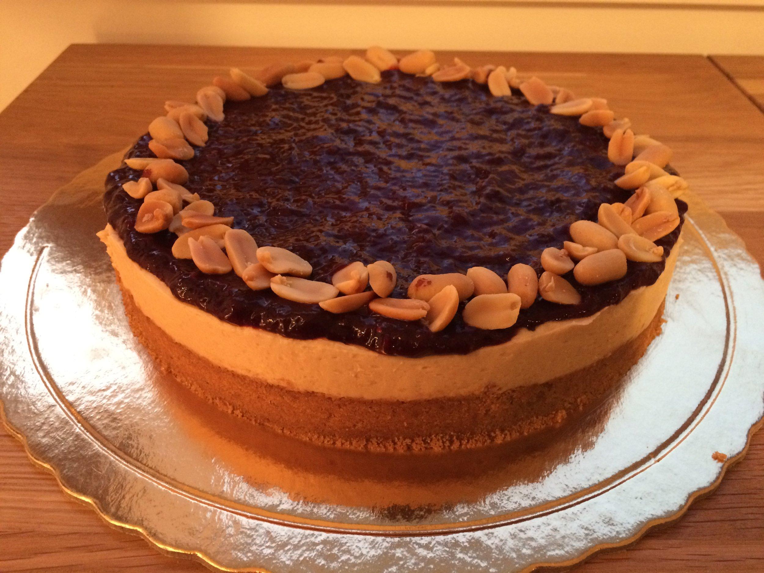 Cheesecake PBJ- manteiga de amendoim e compota