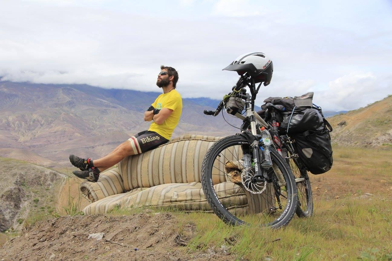Sergi Munne - Biker Auténtico   Nunca digo que no a una buena aventura! Desde cruzar paises, ascender cumbres con la bici a cuestas para bajar a tumba abierta a descubrir nuevos rincones. Fantastik Bikes es mi punto de referencia y donde me siento como en casa!