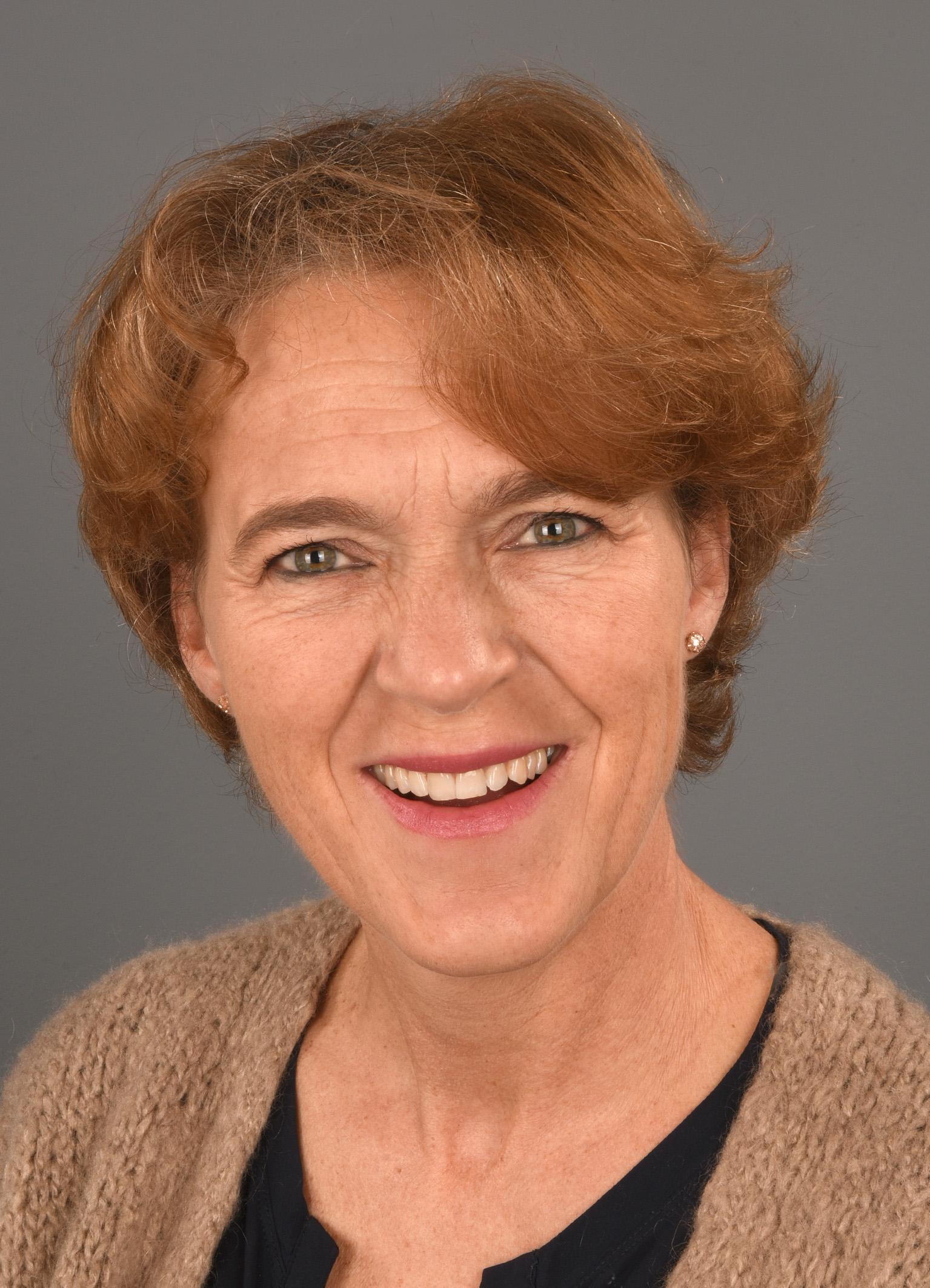 Drs. Caroline Robertson, kaderarts