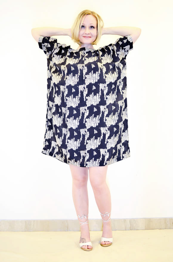 Discharge Square Dress  II Code   :  YDHbdc8