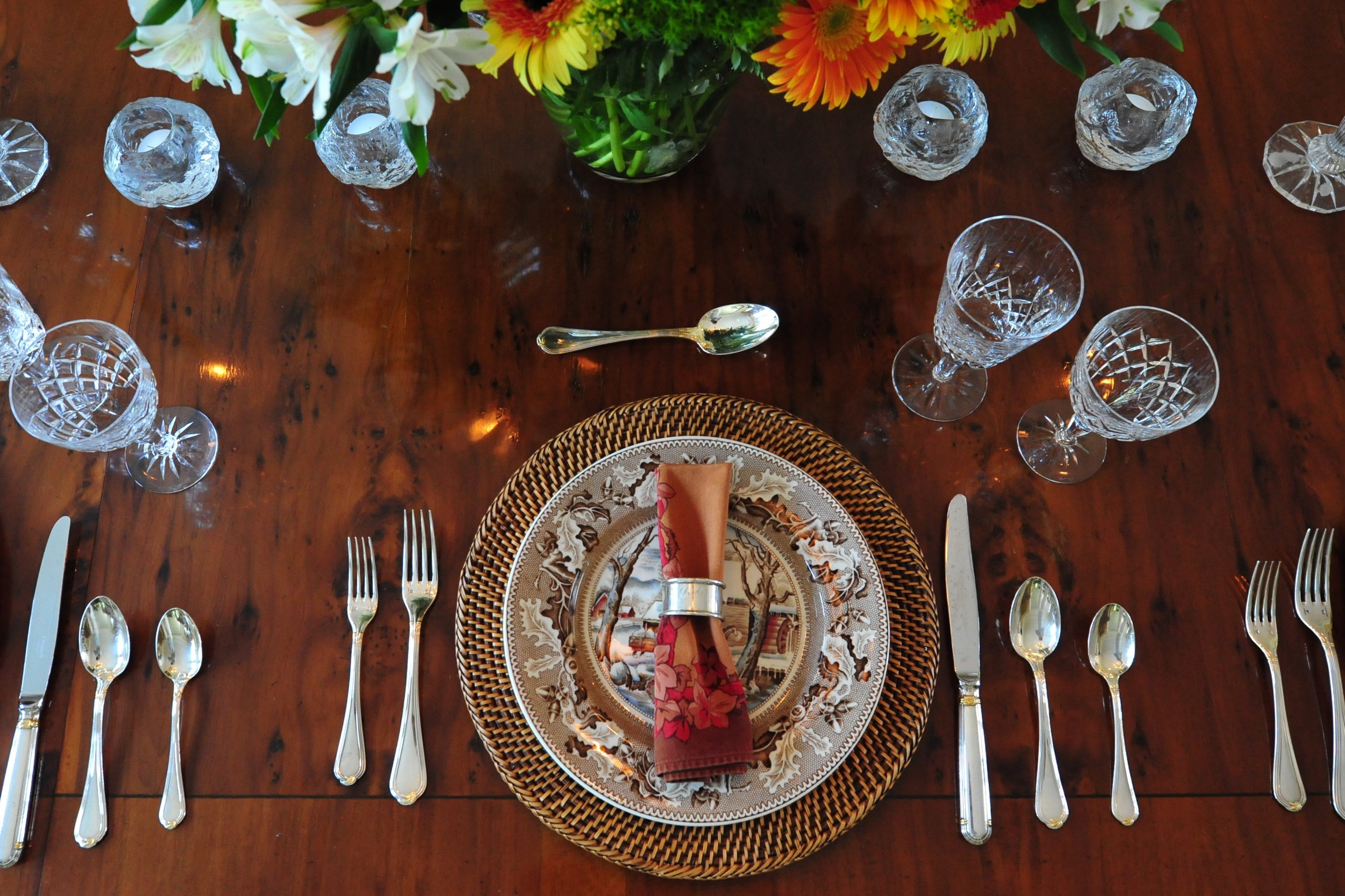 A fall table setting - Photo: Cheryle St Onge