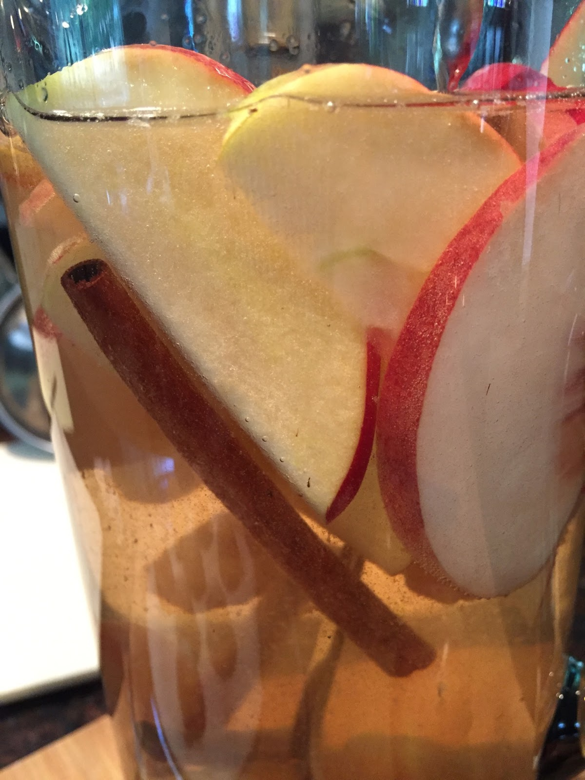 Peach and apple Sangria recipe 2.jpg
