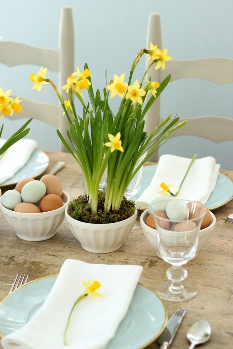 daffodils and eggs Easter spring table setting.jpg