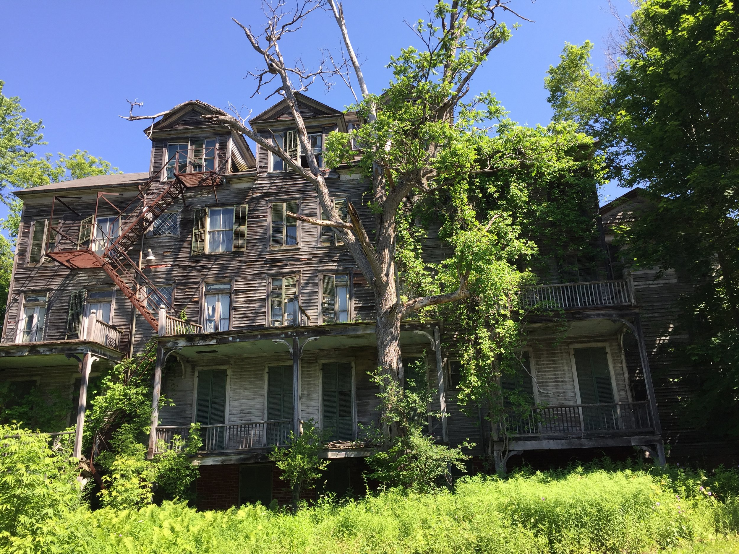 old antique home vermont.JPG