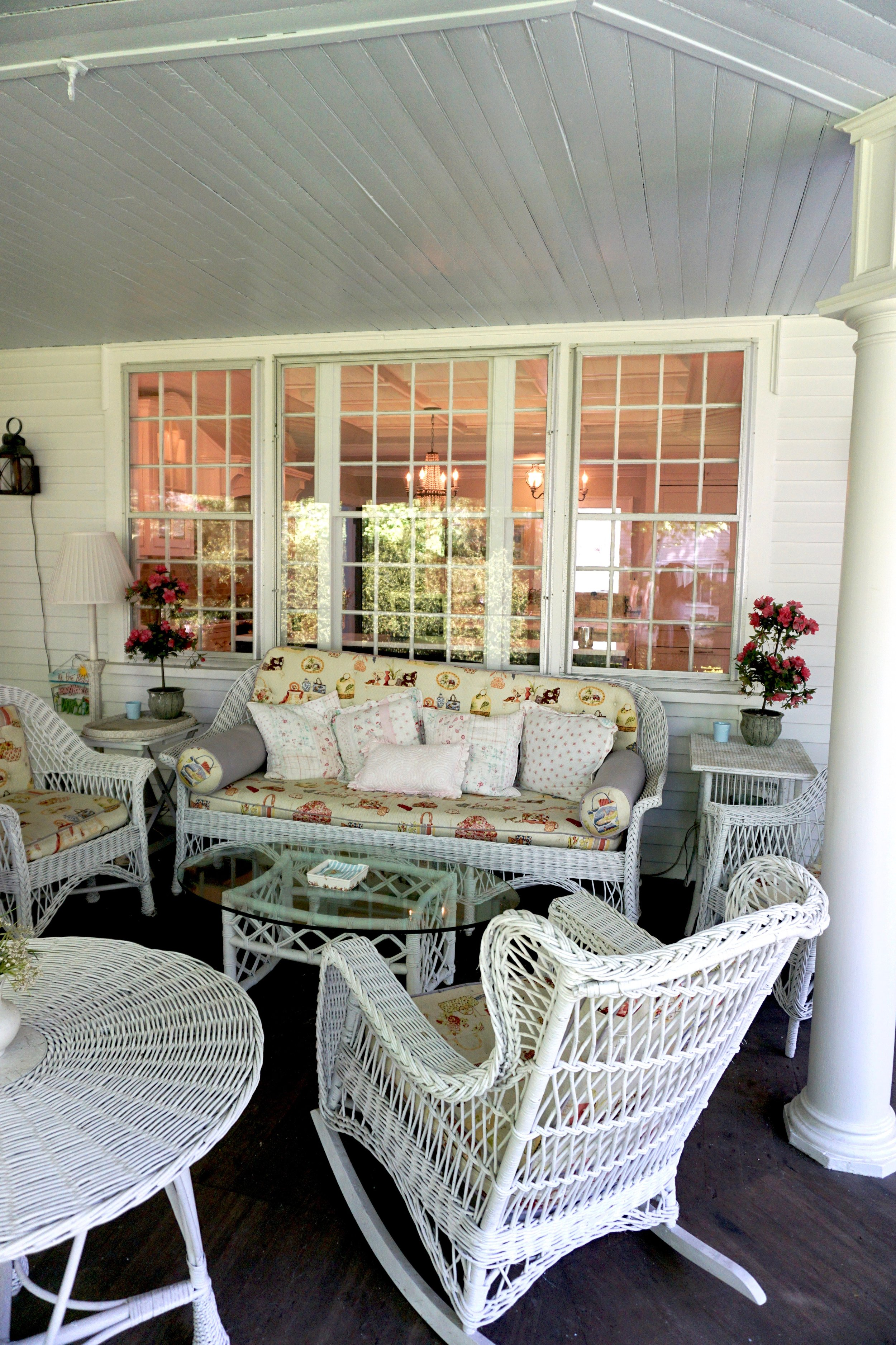 Screened in Porch with Wicker Furniture - Photo by Linda Smith Davis