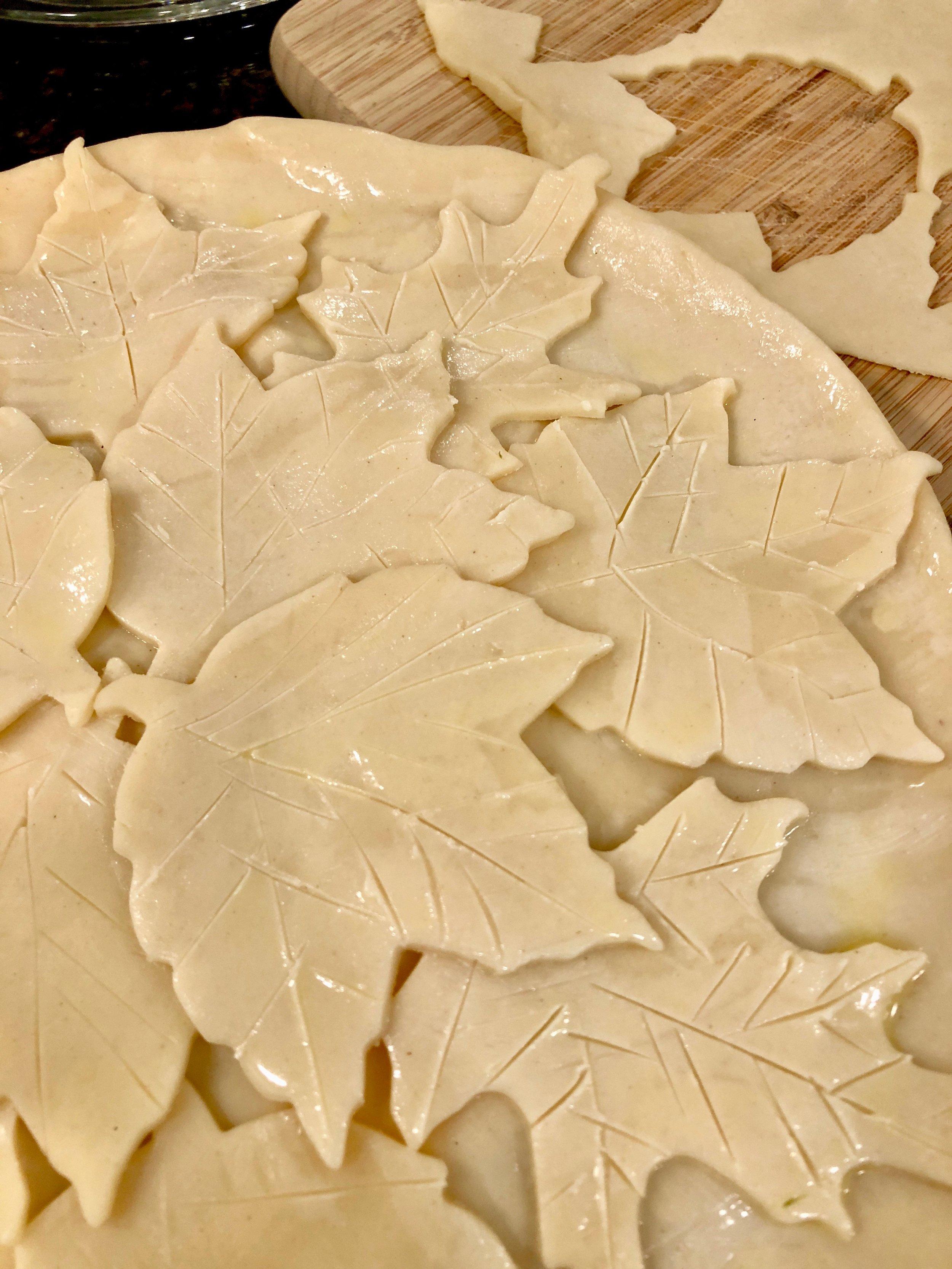 pie crust leaves on apple pie