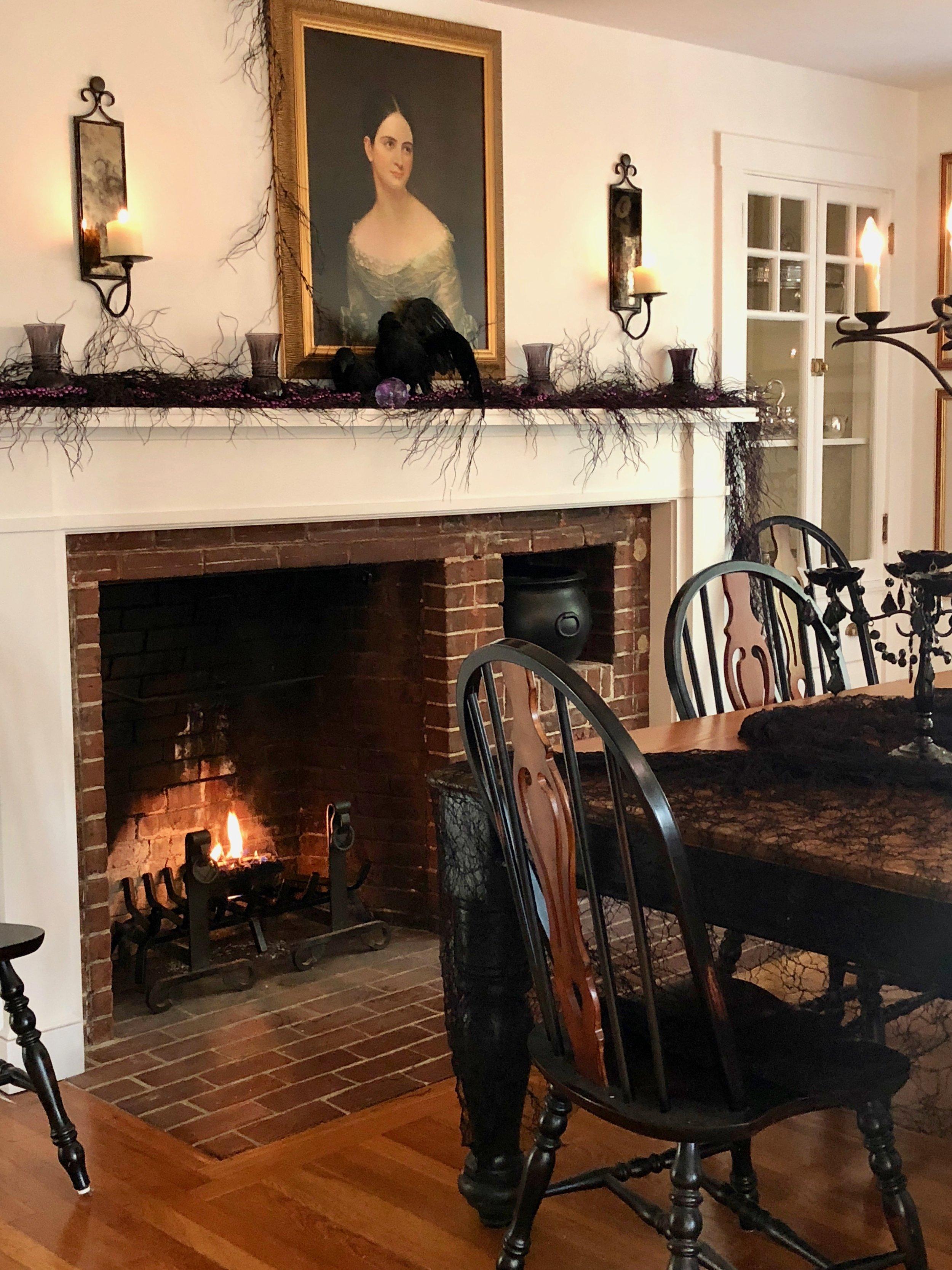 Elegant Halloween Decor Country dining room