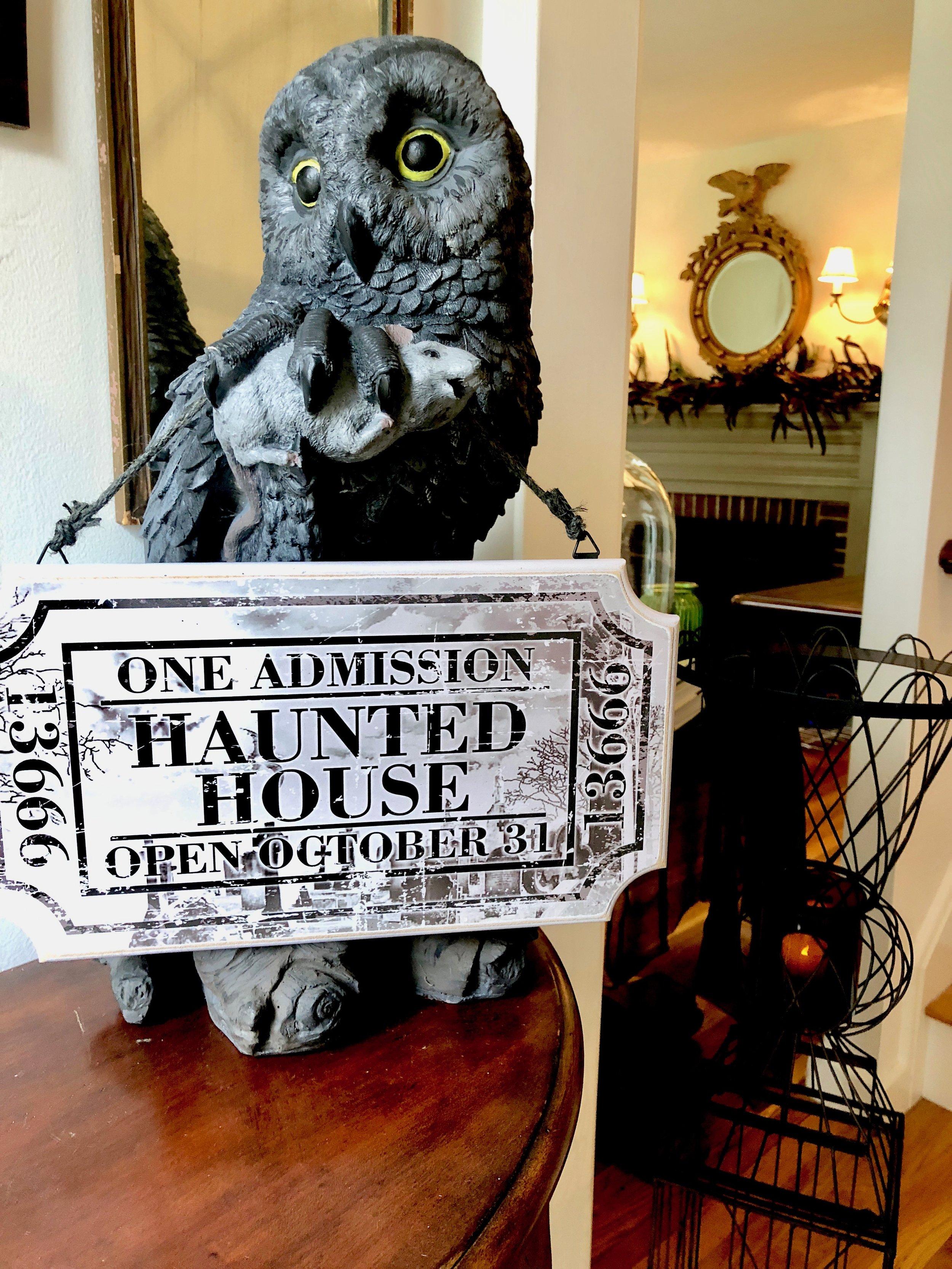 New England Halloween Decor