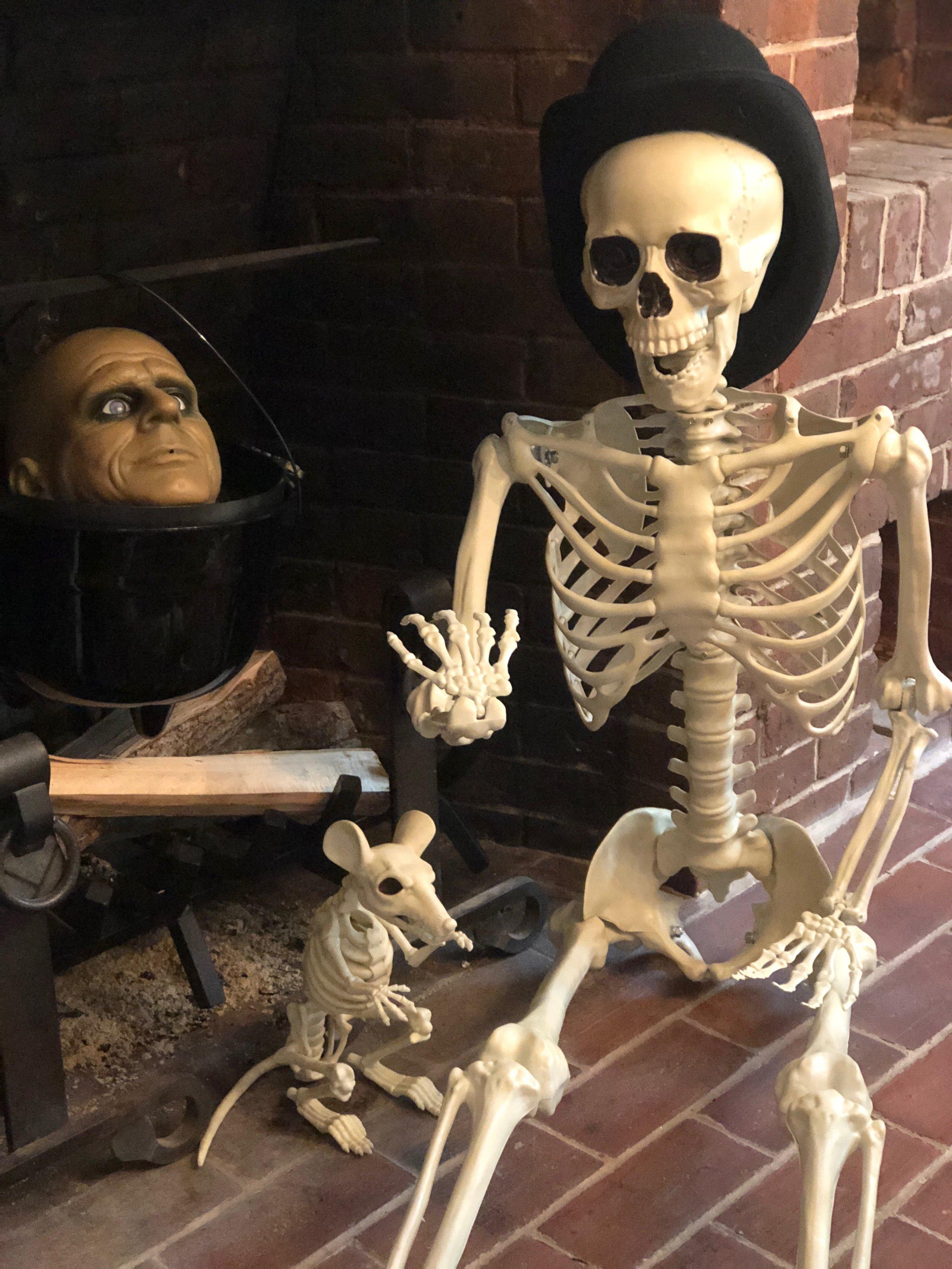 halloween fireplace decoration