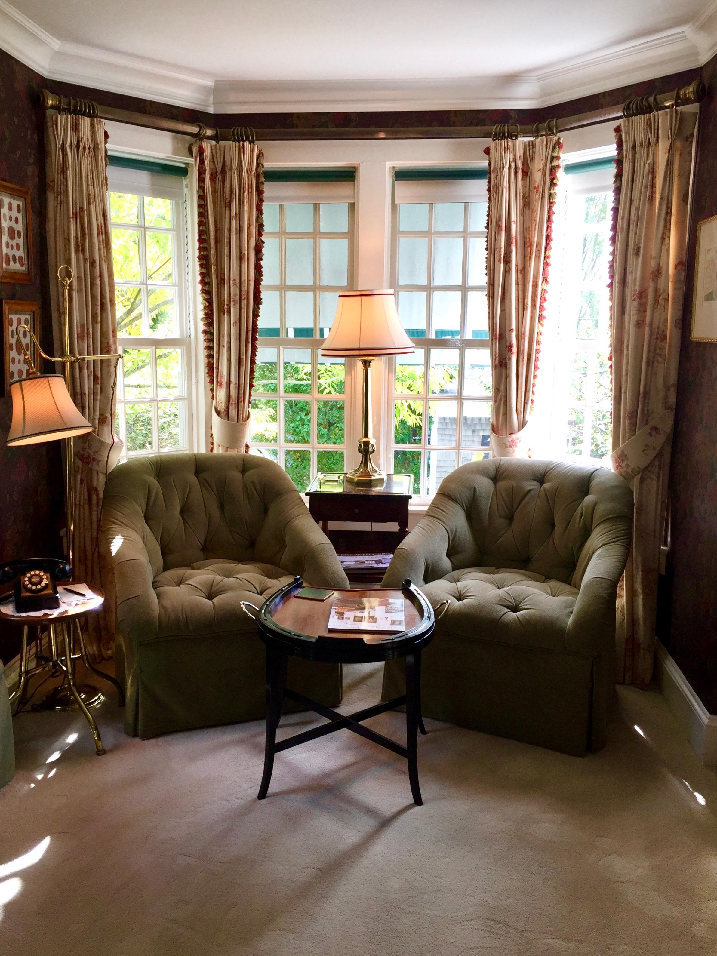 Charlotte Inn Marthas Vineyard New England Fine Living  3.jpg