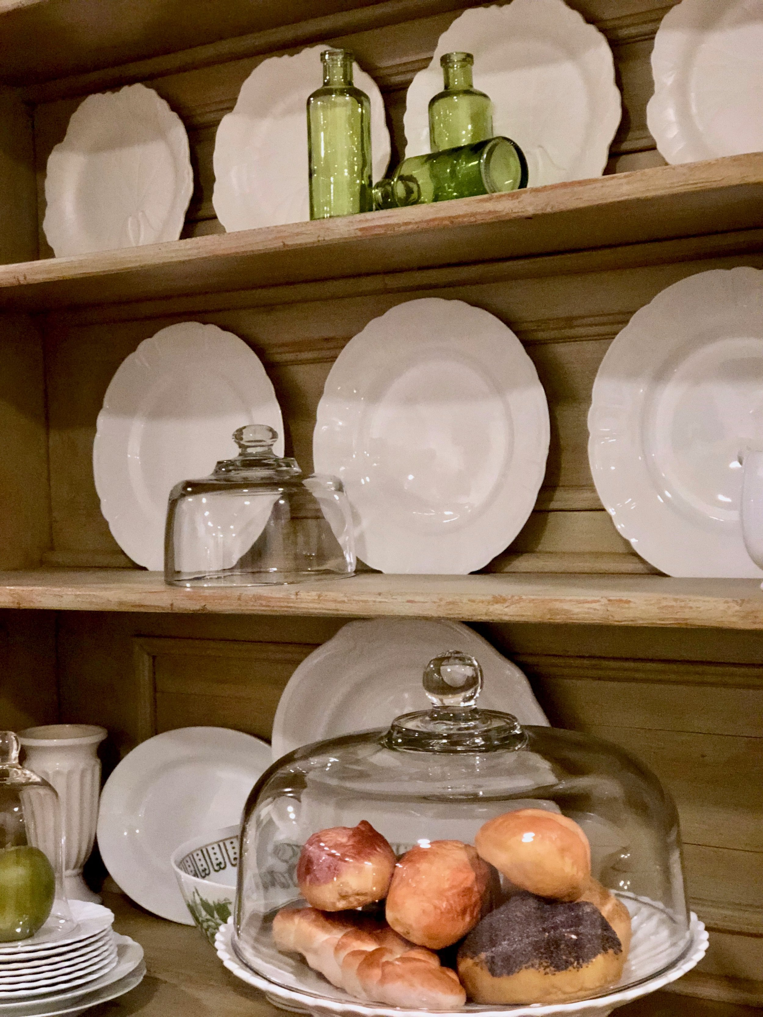 decorating with white dinnerware in the kitchen
