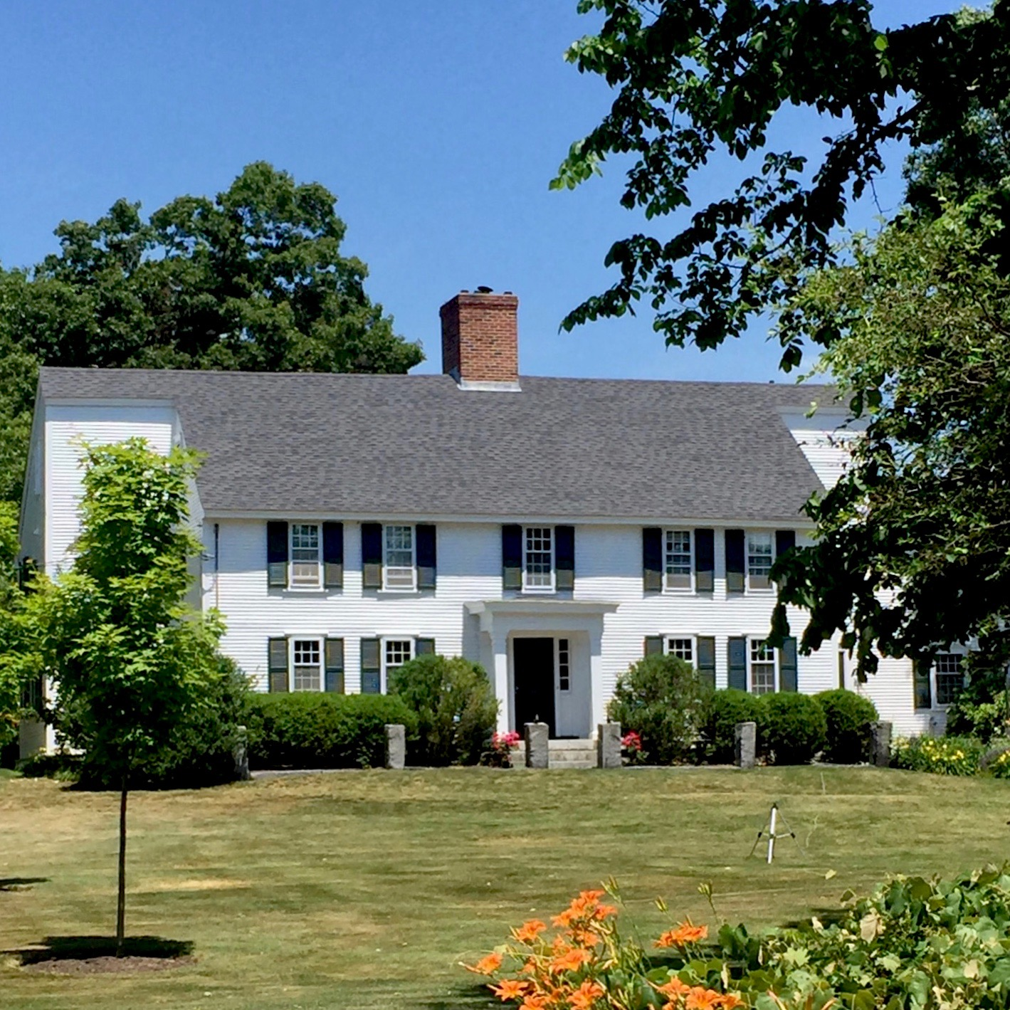 historic antique home in North Andover MA whtie home green shitters New England Style home.jpg