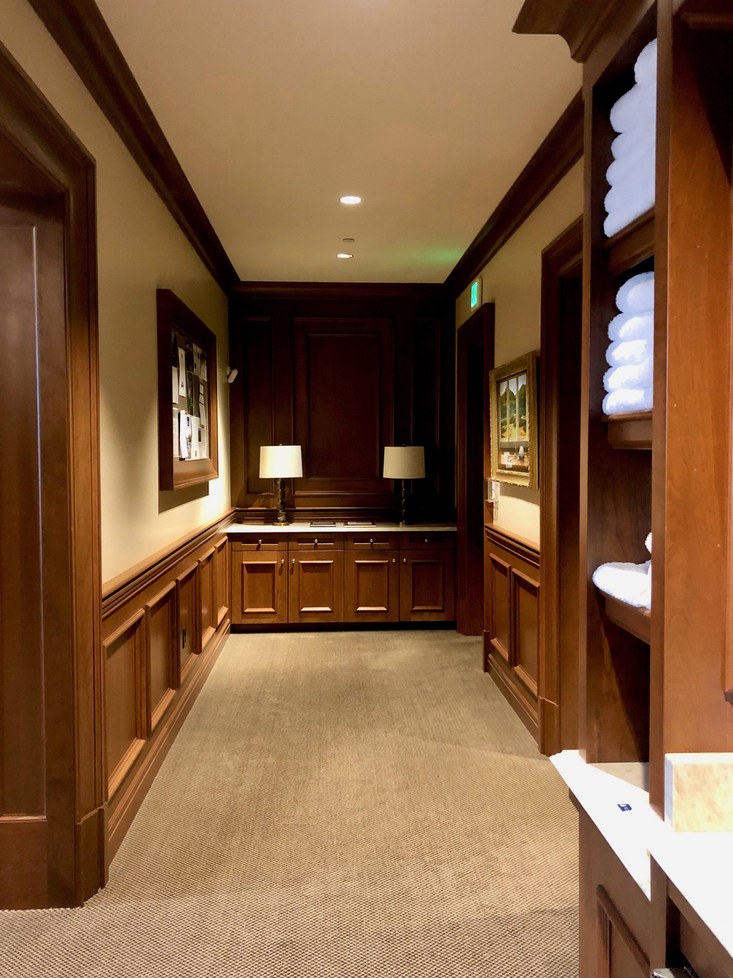 Men's Locker Room.jpg