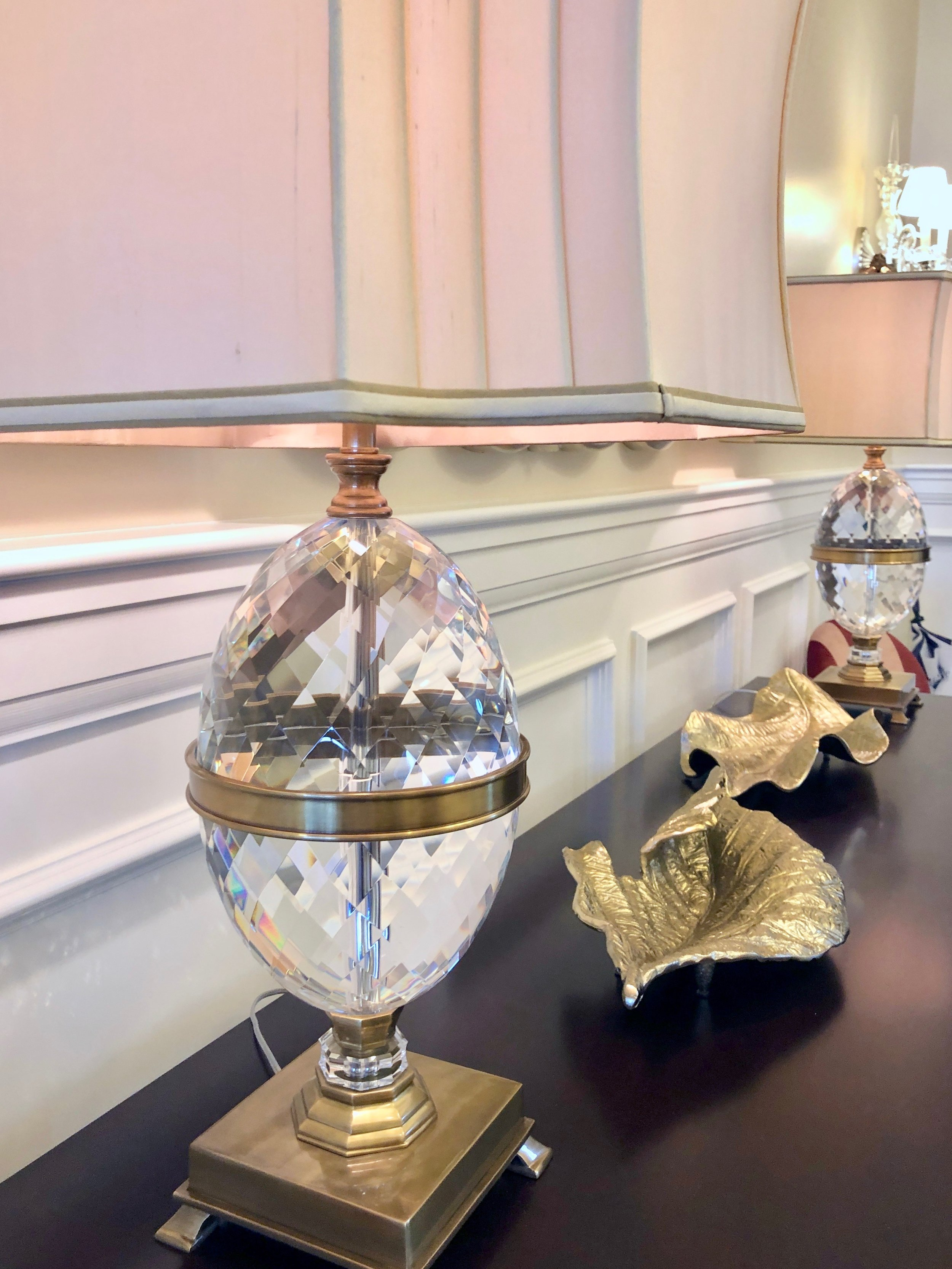 Lobby crystal lamp.jpg