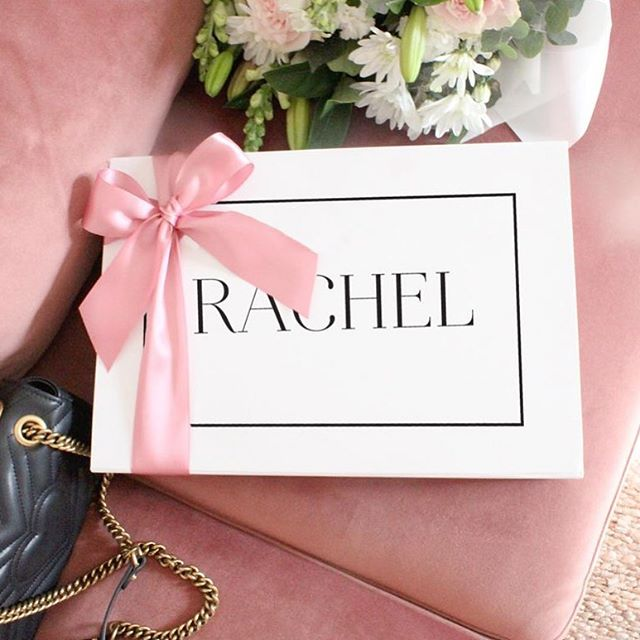 Perfect for birthdays, weddings, proposals, birth announcements or any other special occasion 💕Take a peek at our range of gift boxes online now #misspoppydesign