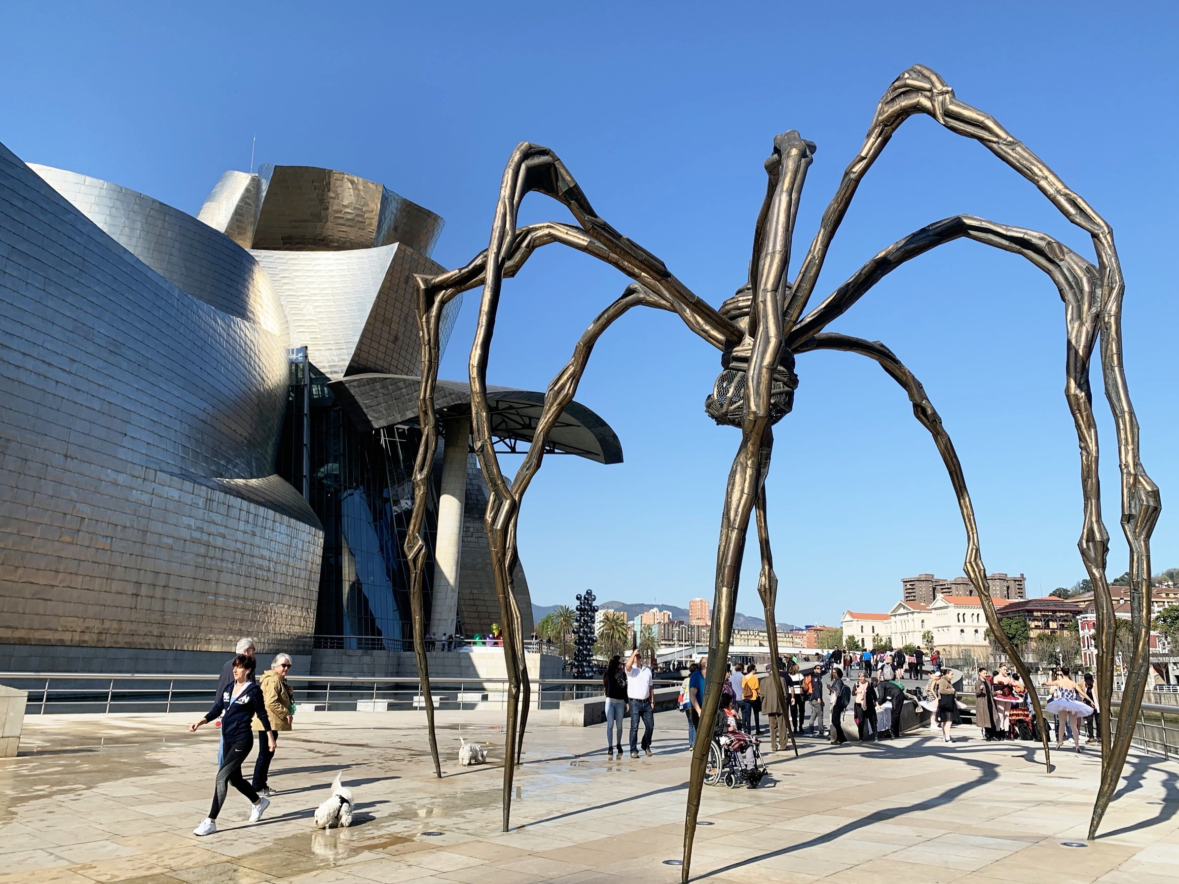 Maman, by Louise Bourgeois, in front of the Guggenheim Museum