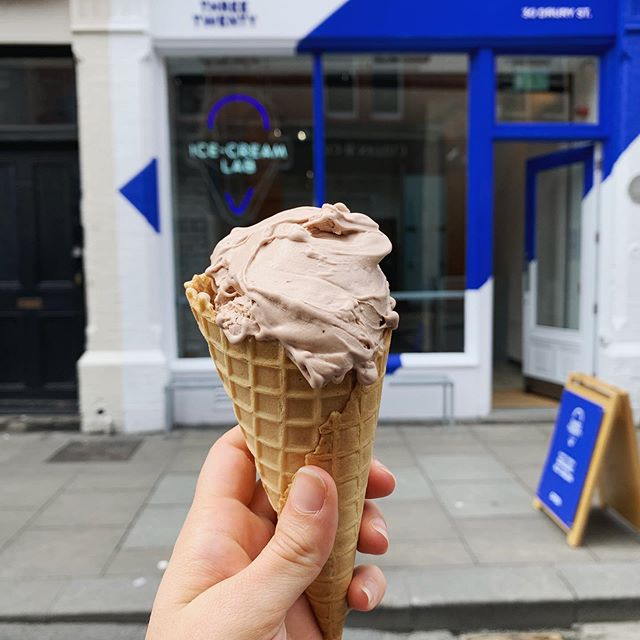 The past few days, I've tested all the chocolate ice cream I could find in Dublin City. The results are now live on @foodandwineireland just in time for the Irish heatwave. So check it out please and let me know what you think! . . . . . #foodie #foodporn #chocolateicecream #chocolatesorbet #icecream #irishicecream #irishfood #irishgelato #threetwenty #dublinfood #chocolate #gelato #gelatoalcioccolato #foodtest #foodstagram