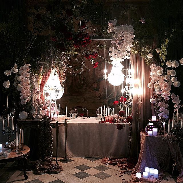 When your iPhone tries SO hard to capture the abundance of beauty you've spent all day creating... the struggle is real.✨✨✨ . . . . .  #bohemianblooms #bohemianwedding #bohemianbride #bohobride #bohostyle #etherealbride #ethereal #bridaltable #installation #flowersofinstagram #love #romance #uniquewedding #magic #evocativewedding #moodyblooms #darkromance #weddinginspo #weddingflowers #luxe #bohemianluxe #sydney #southcoast #vsco #vscocam #bouquet #dscolor #dsfloral #instagood