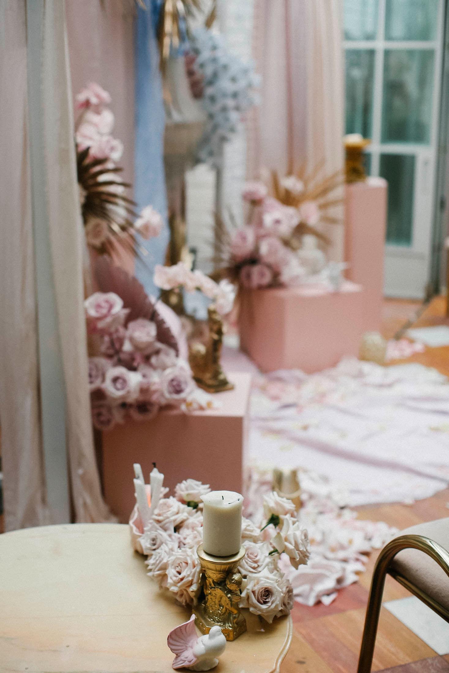 Lara + Cass Bohemian Blooms table arrangement ceremony juliet's bedroom