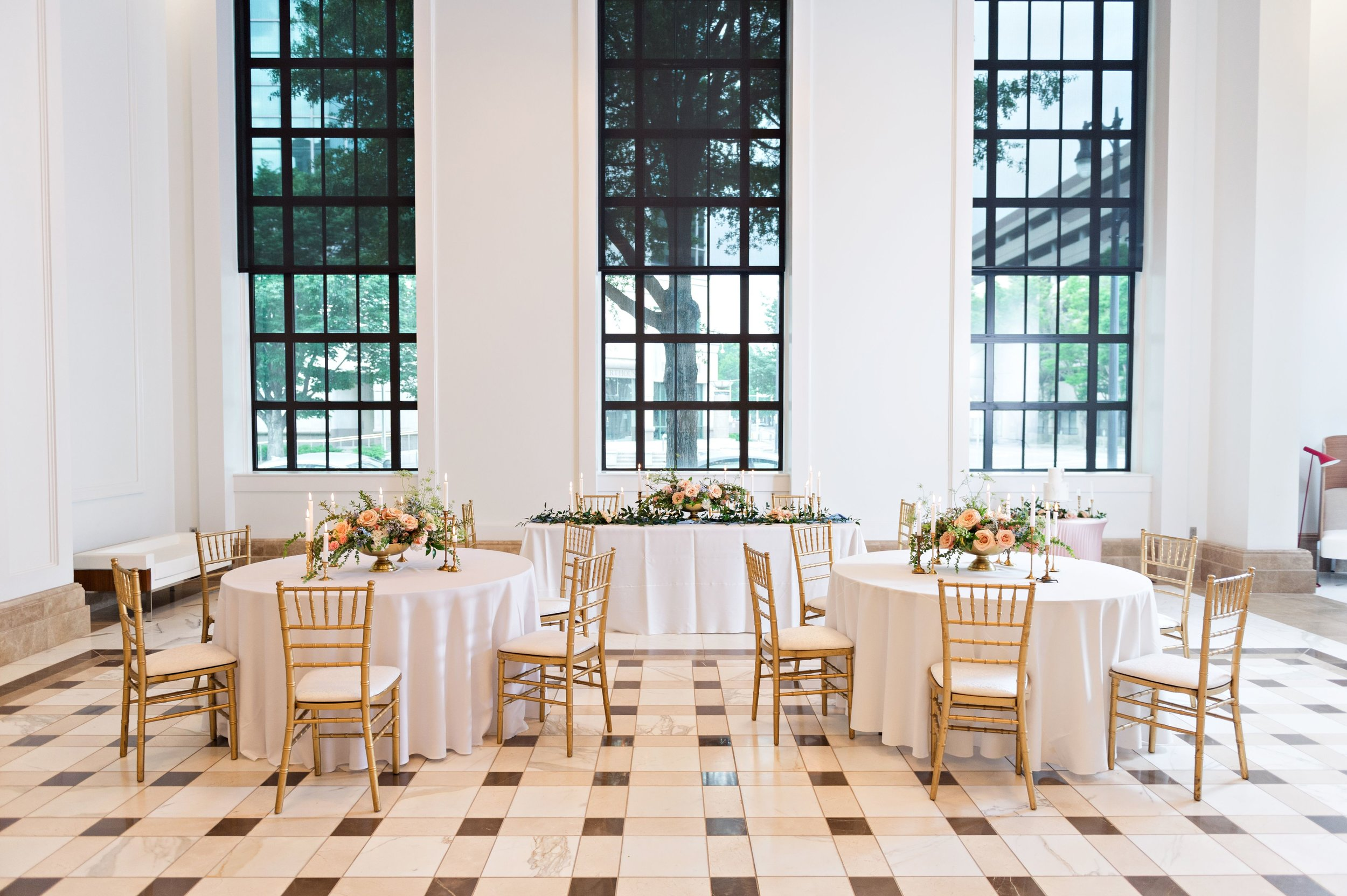 Featured Venue:  Historic Federal Reserve  Photo Credits:  Meredith Ryncarz Photography  Featured Floral Designer:  Ricky Whitley Designs