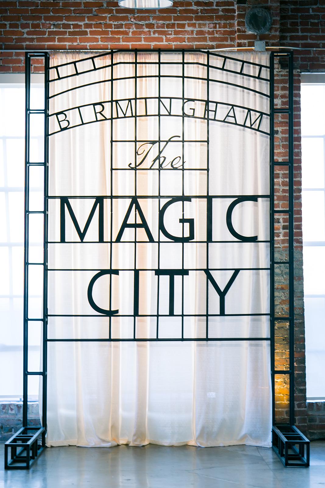 Magic City Sign_1.jpg