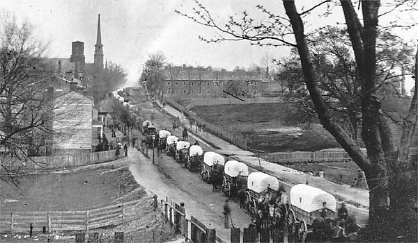 Union wagons entering petersburg, April 1895. Library of Congress photo.