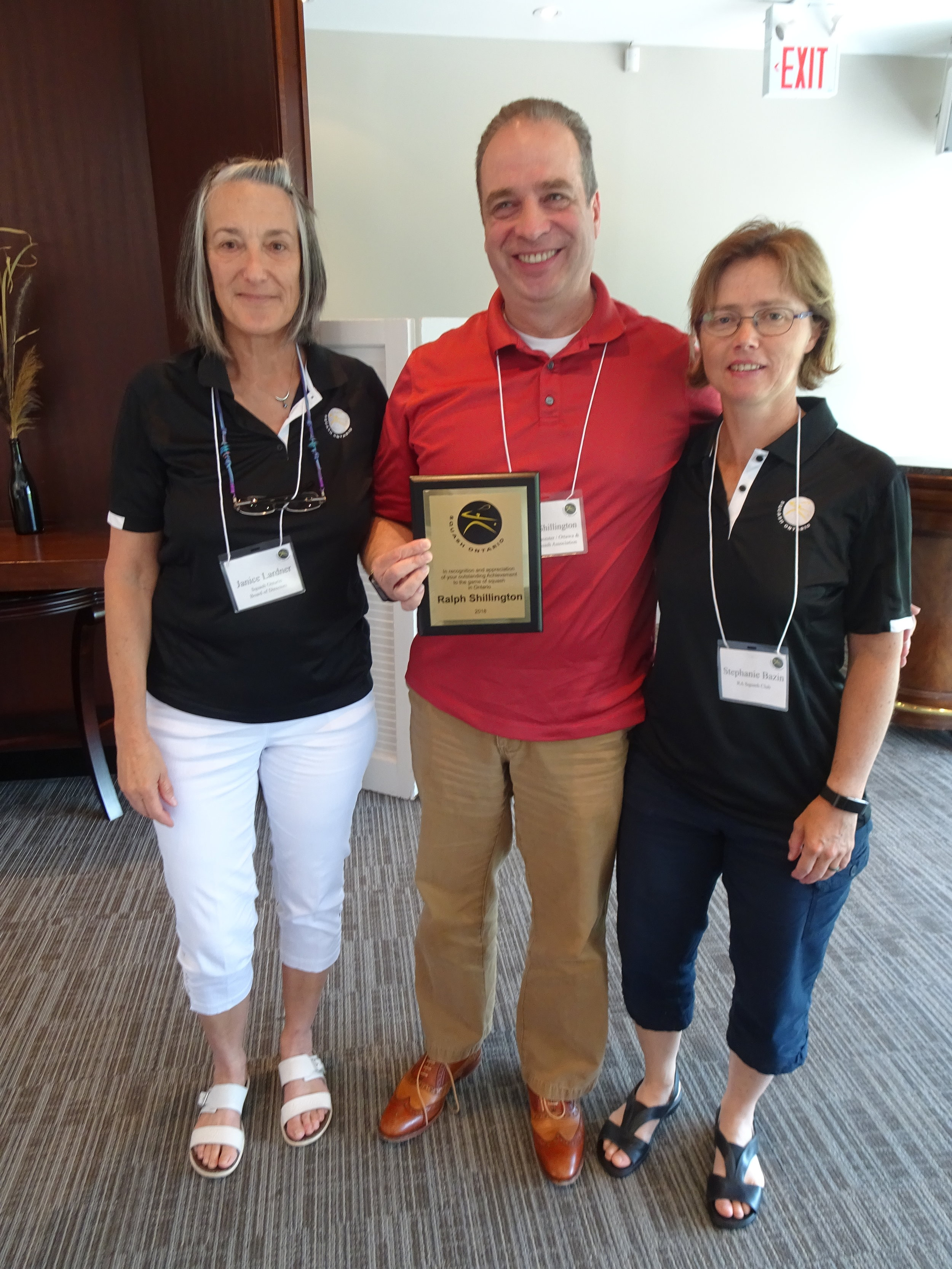 Ralph Shillington accepting his award with Squash Ontario Past President Janice Lardner (left) and Squash Ontario Board Member Stephanie Bazin (right).
