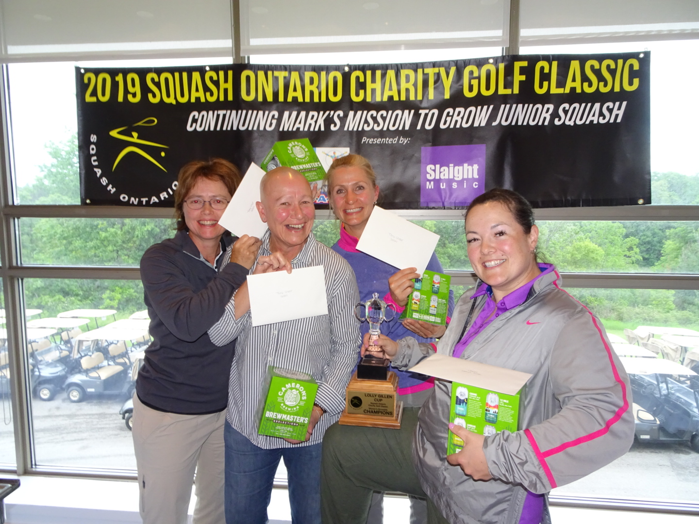 Women's Division winners Stephanie Bazin, Lisa Coates, Nicole Garon and Carrie Chan