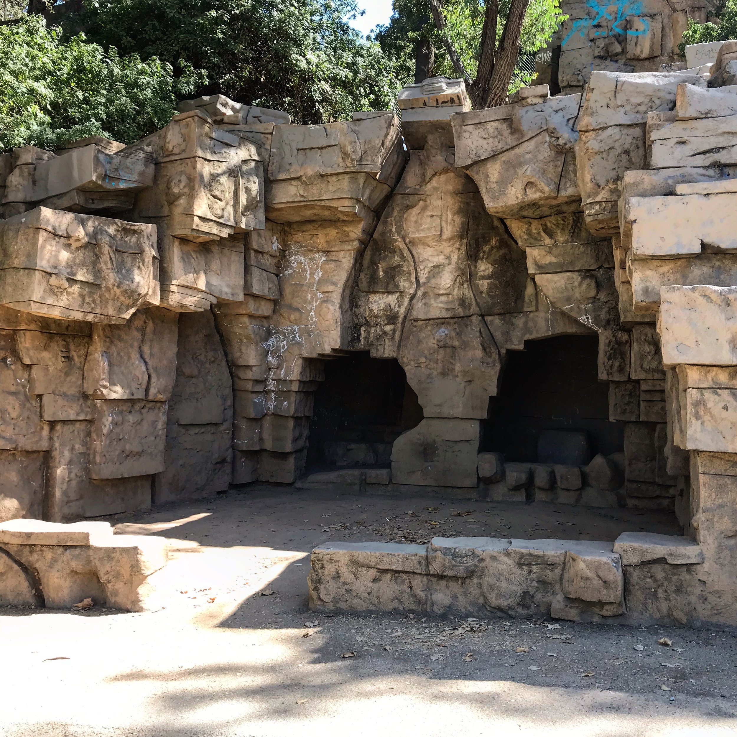 The Old Los Angeles Zoo, Griffith Park (image provided by the author).