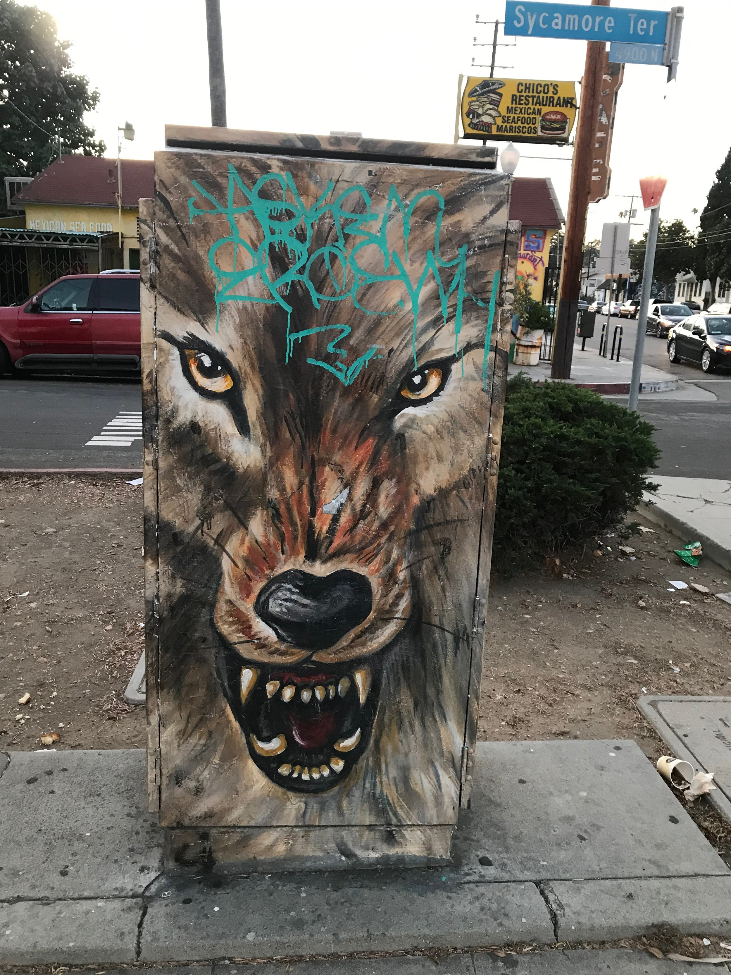 Electric box in Highland Park off North Figueroa Street (image provided by the author).