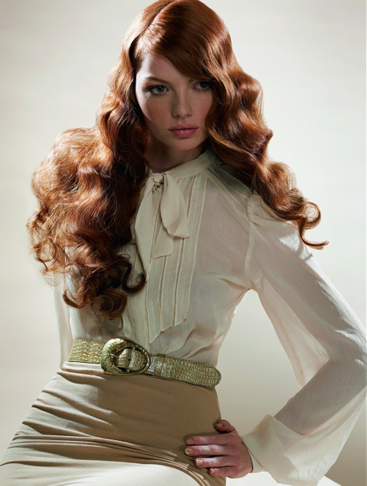 detail-classic-style-type-white-blouse-long-red-hair-brushedwaves-belt-pencil-skirt.jpg