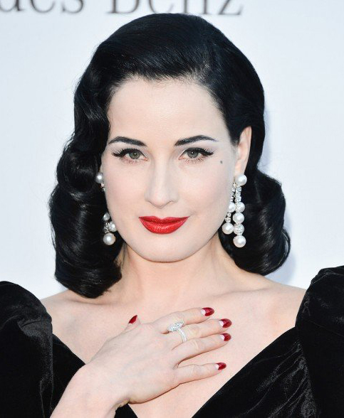 jewelry-retro-style-type-fashion-ditavonteese-waves-pearl-earrings-red-lips-nails-black-dress-glamour.jpg