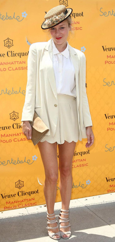 celebrity-retro-style-type-fashion-chloesevigny-white-shirt-shorts-suit-hat-monochromatic-hat.jpg