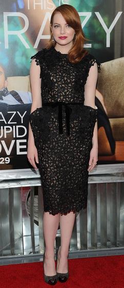 celebrity-retro-style-type-fashion-emmastone-black-lace-dress-peplum-monochromatic-red-lips-hair-redcarpet.jpg