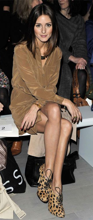comfort-tan-dress-tan-shoe-booties-leopard-necklace-shirt-oliviapalermo-celebrity-fashion-style-outfit-fall-winter-black-bag-hairr-lunch.jpg