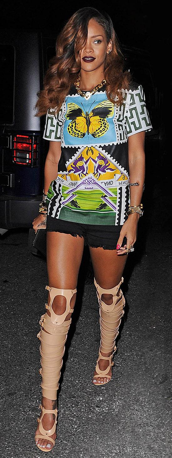 comfort-trendsetter-style-type-fashion-rihanna-shorts-graphic-top-tee-gladiator-heels-sandals-overtheknee.jpg