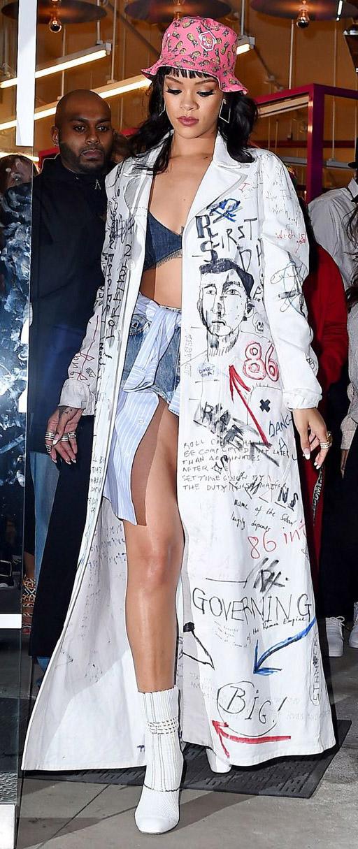 celebrity-trendsetter-style-type-fashion-rihanna-jean-shorts-maxi-coat-hat-booties-streetstyle.jpg