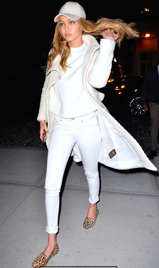 celebrity-white-skinny-jeans-white-sweater-white-jacket-coat-mono-tan-shoe-flats-leopard-hat-cap-blonde-gigihadid-outfit-fall-winter.jpg