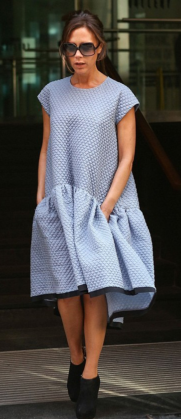 comfort-dramatic-style-type-victoriabeckham-fashion-clothes-newyork-blue-volume-booties-sunglasses-ruffle-hem.jpg