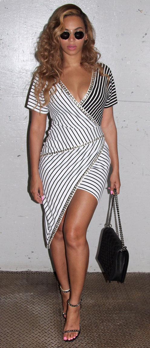celebrity-bombshell-sexy-style-type-beyonce-white-stripe-wrap-dress-sunglasses-wavy-hair.jpg